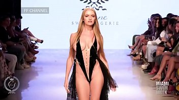 Sexy fashion show videos - Nacked fashion show in paris