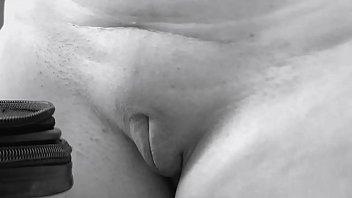 MILF desnuda en la ventana abierta del depa, maestra exhibicionista mexicana playa del carmen Mexico tetas grandes