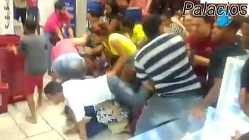 This Is Lojas Americanassssssssss!!!!!!!!!! Surubão na Black Friday das Lojas Americanas pornhub video