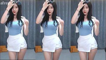 Gái Hàn Quốc nhảy em gái thuần khiết