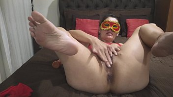 """Naughty mature enjoys to drain and makes a delicious """"Squirt"""" showing that woman really enjoys"""