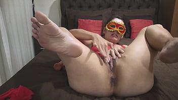 Stout milf Coroa safada goza de escorrer e faz um delicioso squirt mostrando que mulher goza de verdade completo no red