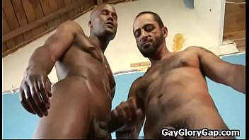 Black dude sucked by twink