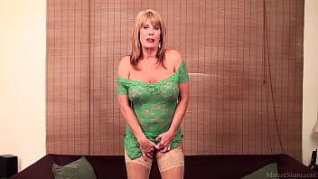 Rae Hart mature &amp_ huge dildo FullHD
