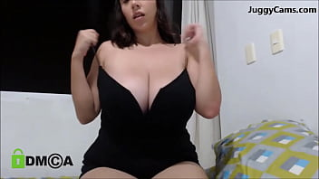 huge big tits cam