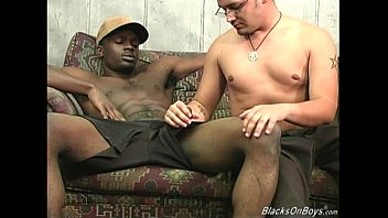 Hung black gay men - Hung black men sharing a horny white dude