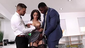 Black Immigration Officer Wants Valentina Nappi's Ass