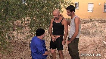 Gay porn spanish Gay resort episodio 1. los chicos se van conociendo y mucho más