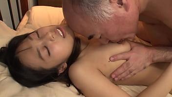 Https://bit.ly/3ii5SEK 彼氏の淡白SEXに満足できず親父のベロベロ濃厚クンニで何度も痙攣絶頂!!イキ過ぎて性欲剥き出しな彼女は遅漏チ○ポをだいしゅきホールド!!腰砕けになっても終わらない淫極性交と強引押し付けクンニ!!【パート1】