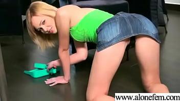 Cute Amateur Teen Girl Masturbating clip-33