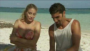 Classic italian anal - Italian pornstar vittoria risi screwed by two sailors on the beach