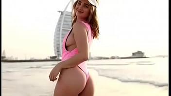 ESCORT CALL GIRL MIA DUBAI BEACH STRIPTEASE