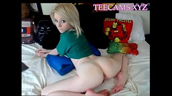 Nerd Girl Webcam Meet Her At Teecamsxyz thumbnail