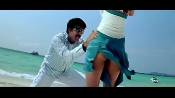 Upskirt ileana dcruz Hot HD
