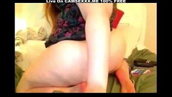 Girl Masturbating on Cam