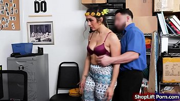 Store officer fucking a latina costumer