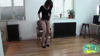 Solo tugging ladyboy in hot fishnet stockings
