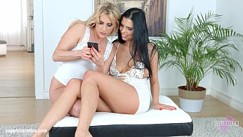 Brittany spears lesbian kissing Kyra queen with brittany bardot having lesbian sex presented by sapphix - photo