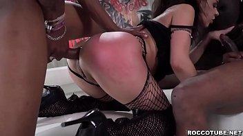 Russian Henessy loves to fuck 3 black dick Vorschaubild