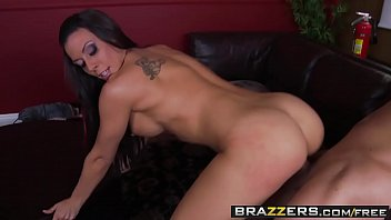 Busty Brunette (Rachel Starr) is the perfect sexbot - BRAZZERS