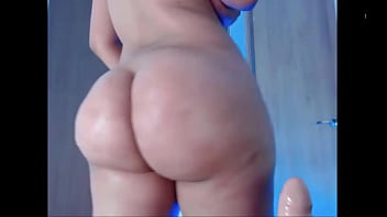 BIG ASS LATINA TEASES ON CAM - bootycams.net