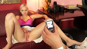 Fake photographer fuck sexy blondie cuming in her mouth