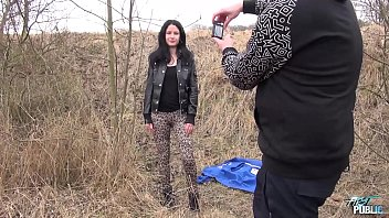 Black hair model is not really happy she has to fuck photographer outdoors