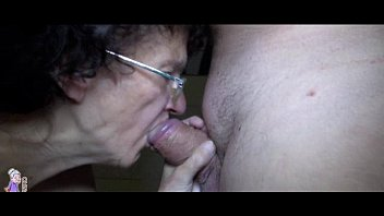 Old mature and young girl trying blowjob and handjob