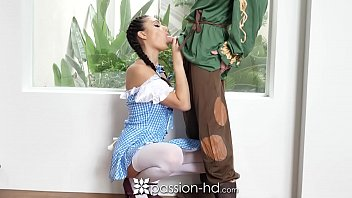 PASSION-HD Halloween fuck with Dorothy from Wizard of OZ Ariana Marie