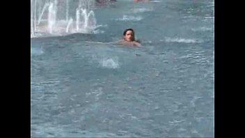 Trasando na piscina