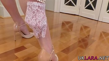 High heeled mature brit toying herself