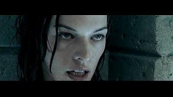 Milla jovovich nude scens - Milla jovovich in resident evil in apocalypse 2004