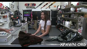 Blow job chair - Exeptinal little amateur is showing off her exposed flesh