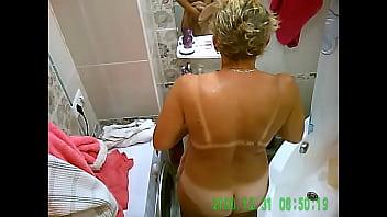 culo, grandi tette, bel corpo, mamma, fa una doccia, spiare sua moglie