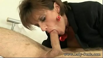 Lady sonia hand job video Lady sonia meets a guy at hotel and sucks the cum out of his balls