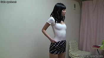 Japanese Girl Yurina take off lingerie and wear bikini #540499