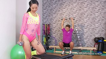 9586 Fit Asian pors water on stunning body preview