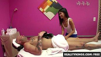 RealityKings - Happy Tugs - (Cindy, Starfall Cyrus) - Work It Cindy