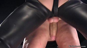 Big tits Milf trainee has anal threesome Vorschaubild