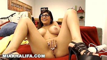 MIA KHALIFA - Big Tits Arab Pornstar Sensation Private Camster Camshow