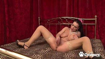 Thick & Curvy Betty Bonbone Makes Herself Cum Hard