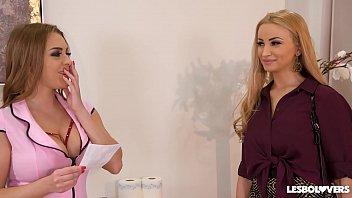 Busty lesbian masseuse Josephine scissors Alyssia Kent to double orgasm thumbnail