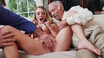 BLUE PILL MEN - Busty Blonde College Student Molly Mae Earns Her Keep By Pleasing Old Men 3分钟