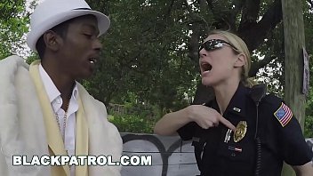 BLACKPATROL - Female Cops Make a Pimp a Ho (xb15820)