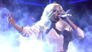 Lady Gaga - ARTPOP (Live on The Tonight Show)