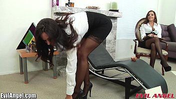 Pussy licking in her office - Evilangel francesca le fucks assistant