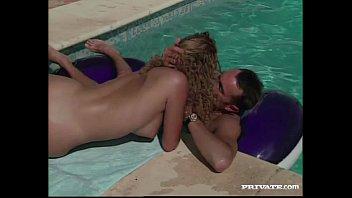 Threesome by the Pool with Draguitsa Vorschaubild
