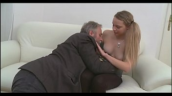 Старик даёт пососать пожилой монахине