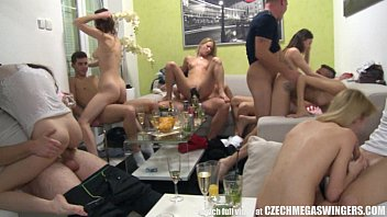 Mega cock lover - Homemade group swingers orgy