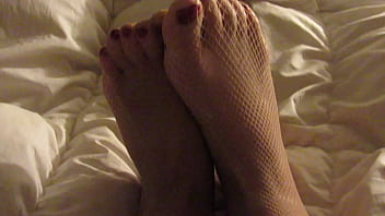 Sexy foot tease [Princess Alexia]